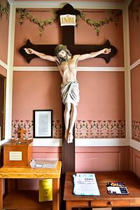 05202017_St_John_Baptist_Painted_Church_Cross_Inside_750_3551