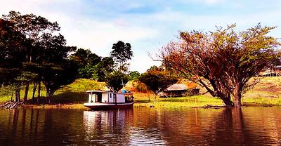 AMAZON HOUSEBOAT