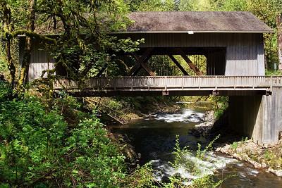 Cedar Creek Covered Bridge in Woodland, Washington   | Sigma 18-50mm f/2.8 EX DC