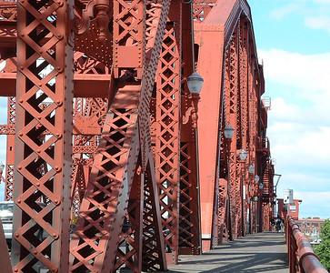 Broadway Bridge (30760718)