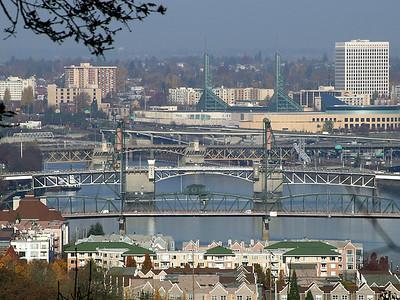 Hawthorne Morrison and Burnside Bridges (36490962)