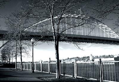 Fremont Bridge BampW (39625771)