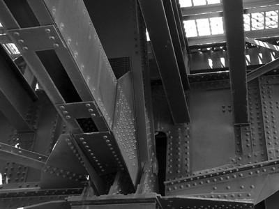 Hawthorne Bridge Underside (30760721)