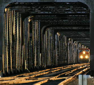 Columbia River Railroad Bridge (47860753)