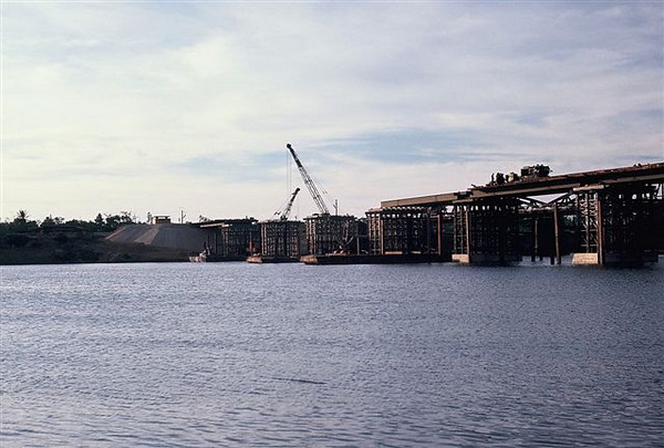 Starting from the south side, I beams with decking, Quang Tri bridge 1970.