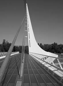 Sundial Bridge 1 (52640100)