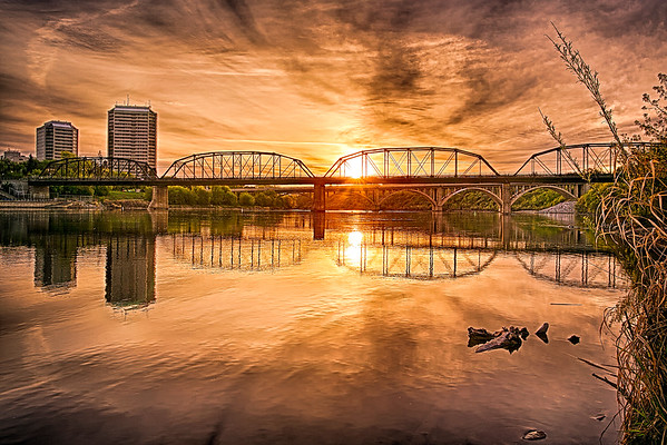 Victoria Bridge at Sunrise