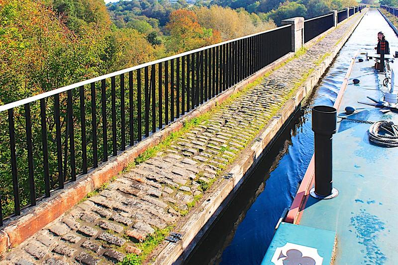 Edinburgh & Glasgow Unuin Canal – Linlithgow