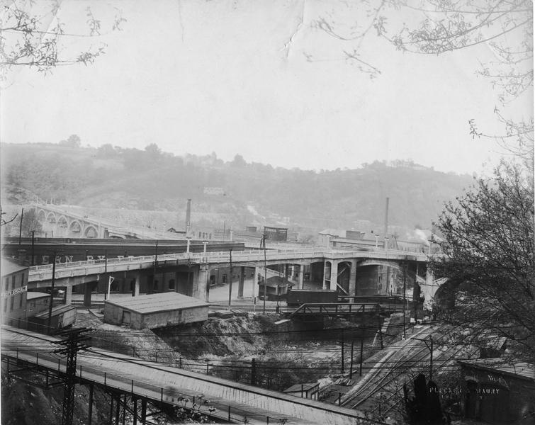 Williams Viaduct,  Blackwater Creek, and Cabell Street Bridge  (09599)