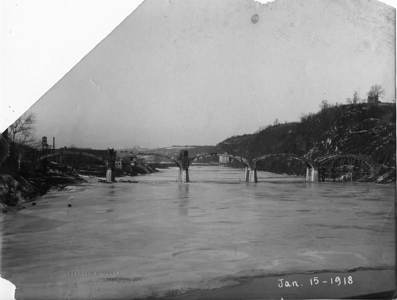Williams Viaduct Under Construction II  (09593)
