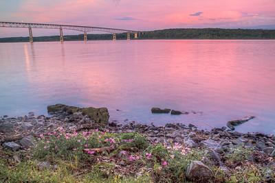 Kingston-Rhinecliff Bridge, Charles Rider Park, Ulster, New York, USA