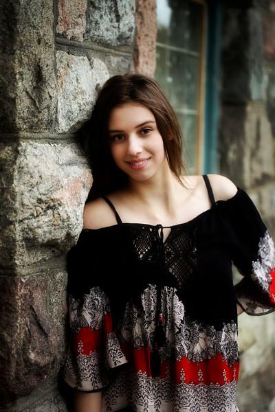 Brie Senior 2015 03_edited-1
