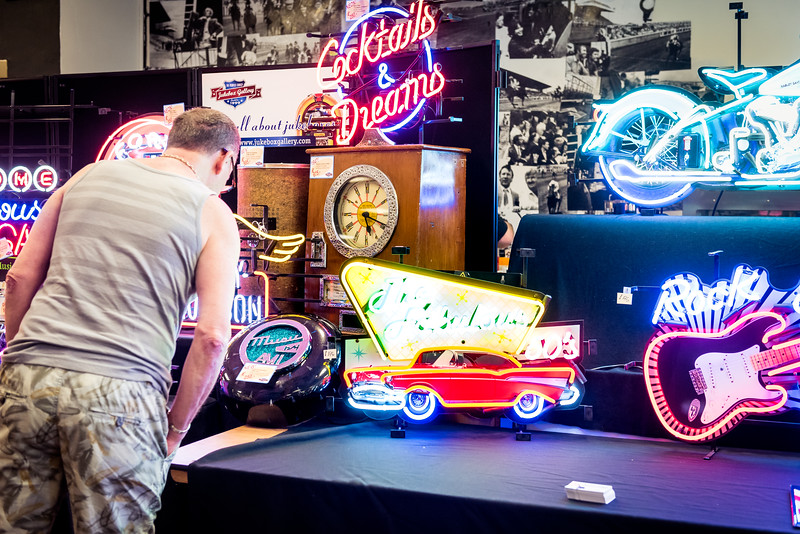 For more Brighton 2018 Jukebox Fair photos, check out: www.simoncallaghanphotography.com/Brighton-Photographer-Blog/Best/Jukebox-Retro-Fair/Brighton-2018