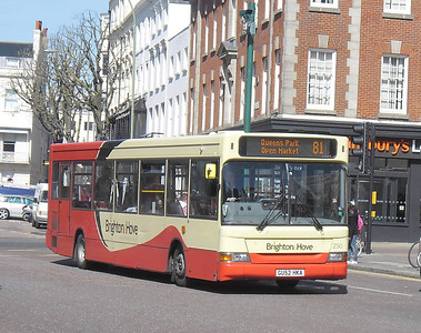 250 - GU52HKA - Brighton (Old Steine) - 10.4.12