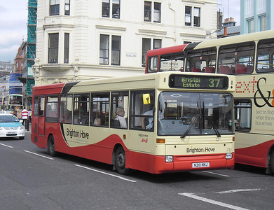 210 - N210NNJ - Brighton (North St) - 31.8.11