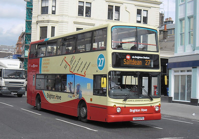 881 - T669KPU - Brighton (North St) - 31.8.11