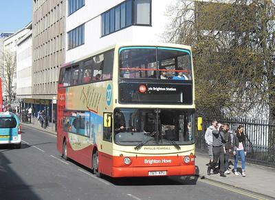 883 - T671KPU - Brighton (Queens Rd) - 10.4.12
