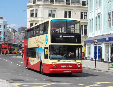 887 - T675KPU - Brighton (North St) - 16.6.12