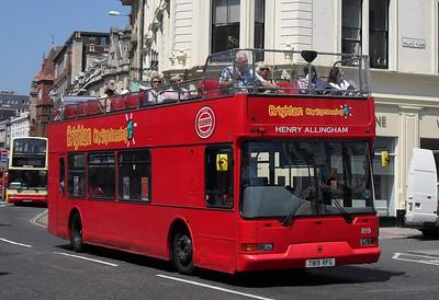 819 - T819RFG - Brighton (North St) - 4.6.10