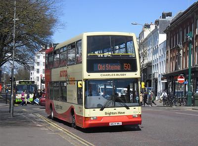 824 - W824NNJ - Brighton (Old Steine) - 10.4.12