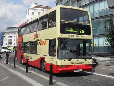 821 - W821NNJ - Brighton (Old Steine) - 11.7.11