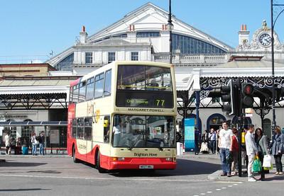 837 - W837NNJ - Brighton (railway station) - 16.6.12