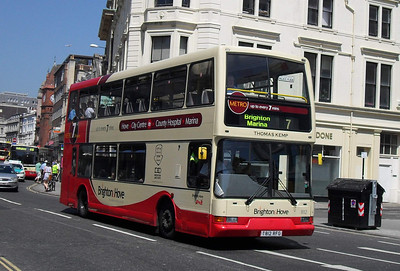 812 - T812RFG - Brighton (North St) - 4.6.10