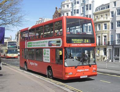 820 - T820RFG - Brighton (Old Steine) - 10.4.12