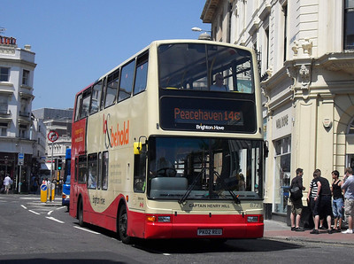 872 - PK02REU - Brighton (North St) - 4.6.10