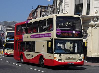 688 - YN57FYH - Brighton (North St) - 4.6.10