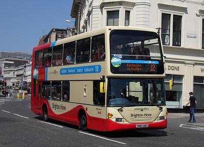 671 - YN07UOT - Brighton (North St) - 4.6.10