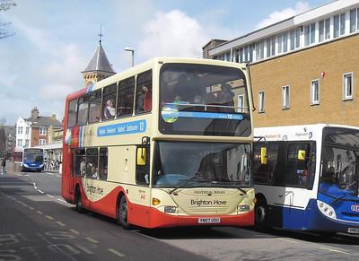 672 - YN07UOU - Eastbourne (Terminus Road) - 10.4.12