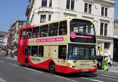 624 - YN04GJU - Brighton (North St) - 4.6.10