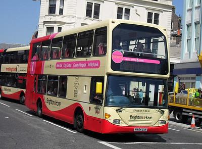 626 - YN04GJY - Brighton (North St) - 4.6.10