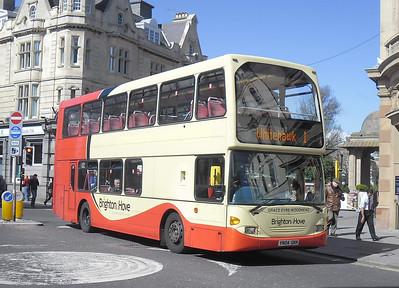 636 - YN04GKK - Brighton (North St) - 10.4.12