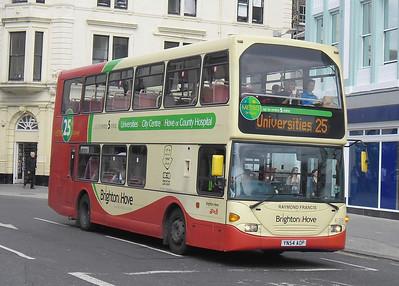 639 - YN54AOP - Brighton (North St) - 31.8.11