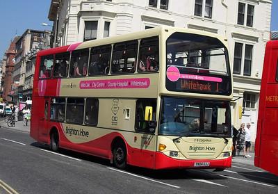 622 - YN04GJJ - Brighton (North St) - 4.6.10
