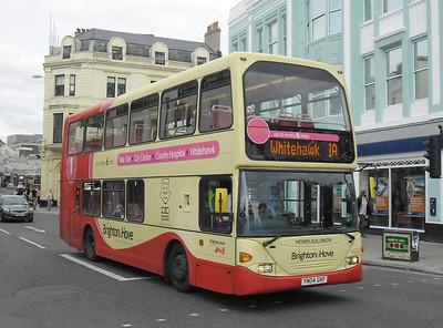 633 - YN04GKF - Brighton (North St) - 31.8.11
