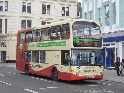 643 - YN54AOV - Brighton (North St) - 31.8.11