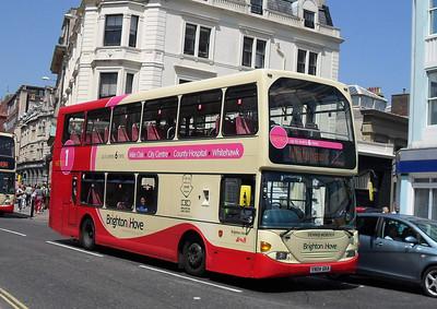 628 - YN04GKA - Brighton (North St) - 4.6.10