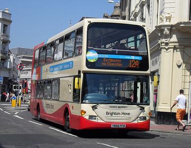 902 - YN56FFB - Brighton (North St) - 4.6.10