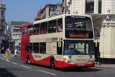 920 - YN06NYL - Brighton (North St) - 4.6.10  (was previously numbered 402 before the arrival of the Volvo B9TLs)
