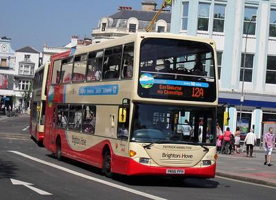 907 - YN56FFH - Brighton (North St) - 4.6.10