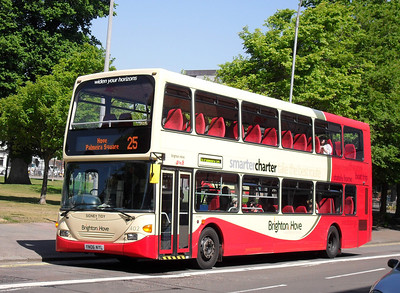 920 - YN06NYL - Brighton (Grand Parade) - 4.6.10  (was previously numbered 402 before the arrival of the Volvo B9TLs)