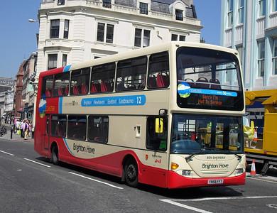 916 - YN56FFT - Brighton (North St) - 4.6.10