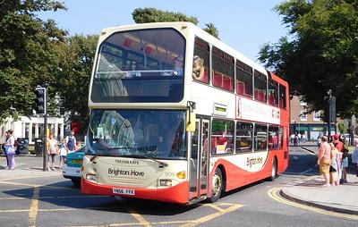 909 - YN56FFK - Brighton (Old Steine)