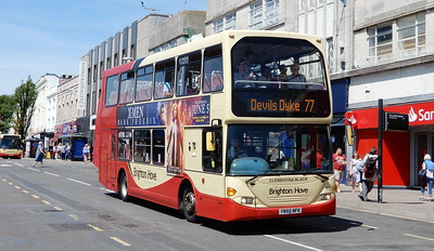 658 - YN55NFK - Brighton (Churchill Square)