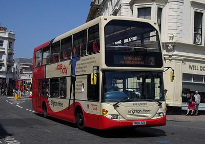 668 - YN06SZX - Brighton (North St) - 4.6.10