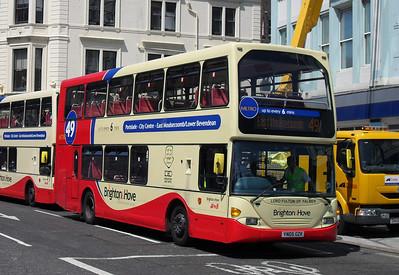 647 - YN05GKZK - Brighton (North St) - 4.6.10