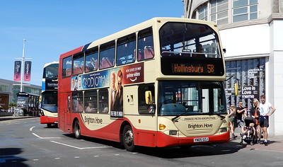 650 - YN05GZJ - Brighton (Churchill Square)